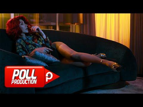 Hande Yener Sahte Official Video
